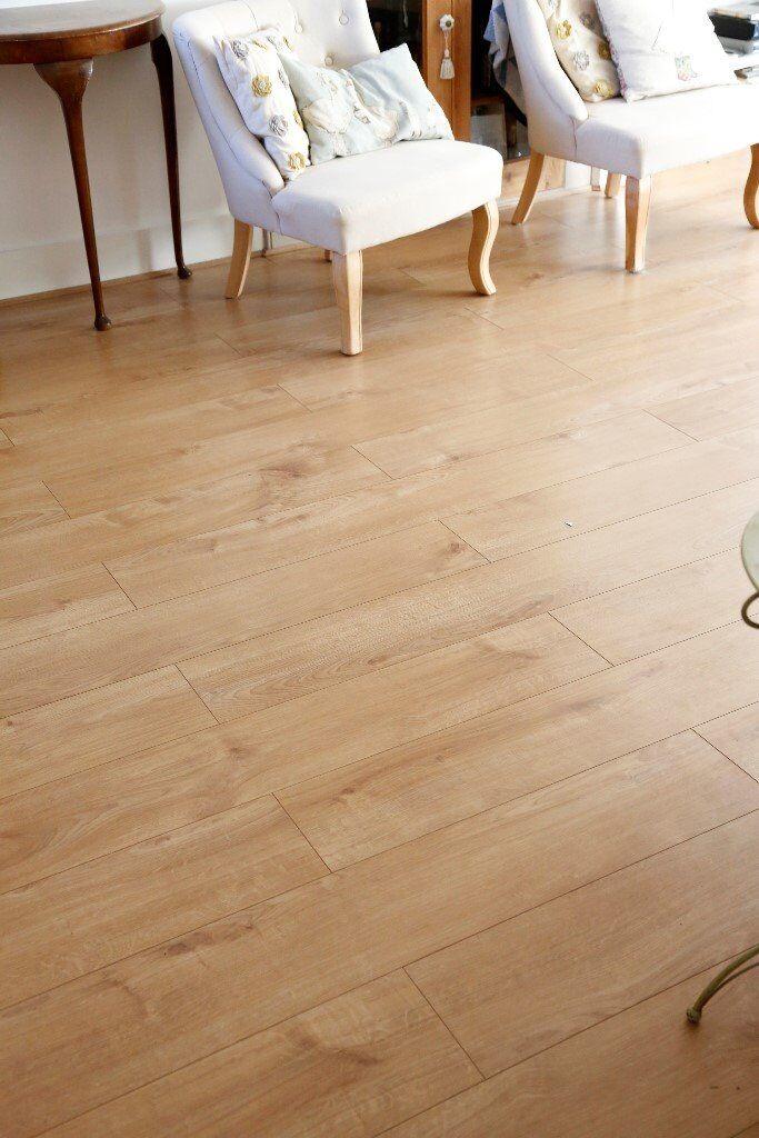 8 Packs Venezia Oak 12mm Laminate Flooring 12 Sq M 15
