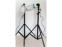 CAMERA PHOTOGRAPHIC STUDIO LIGHTS AND TRIPODS