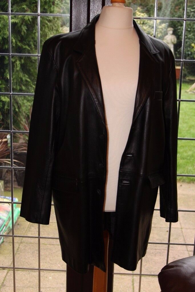 MAN'S XL 3/4 LENGTH LEATHER JACKET IN BLACK