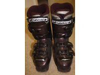 Ladies Nordica 77 size 5 ski boots