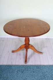 ROUND SOLID PINE TABLE WITH MARKS SHABBY CHIC SEATS 4 - CAN DELIVER