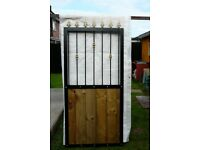TALL HAND CRAFTED GARDEN / SIDE GATE 184 CM X 84 CM SOLID STEEL & WOOD