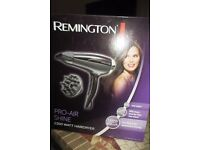 REMINGTON PRO-AIR SHINE 2300 WATT HAIRDRYER WITH ATTACHMENTS