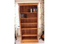 Beautiful free-standing solid pine bookshelf in very good condition