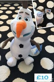 Brand new with tags Disney store large Olaf