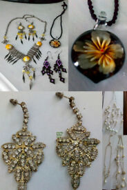 JOBLOT OF LADIES COSTUME JEWELERRY