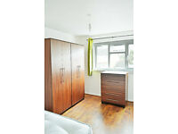 NO DEPOSIT REQUIRED LARGE ROOM STRATFORD -ZONE 2