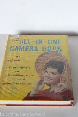 """LIBRO VINTAGE 1960  """"THE ALL IN ONE CAMERA BOOK BY W.D. EMANUEL """""""