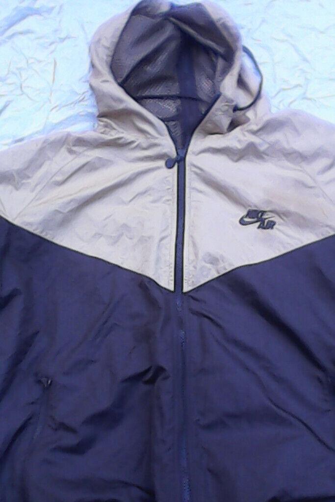 8bd7211682f5 Nike Air jacket chocolate   gold. Hooded. Back zipper. Medium size ...