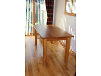 Solid Oak Dining Table Very Good Condition