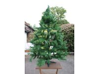 173 cm tall artificial Christmas tree, easy to assemble/disassemble.