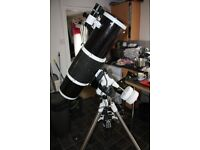 Skywatcher 200P + Synscan Telescope
