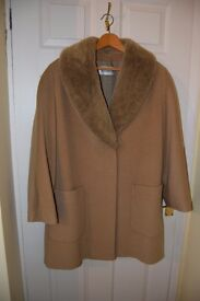 Windsmoor Camel 3/4 length jacket with removable faux fur collar.