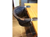 Portable highchair Moutain buggy pod flint