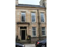 Beautiful 2 Bed Flat in Converted West End Townhouse