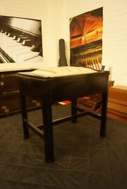 Piano stool in ebony