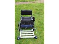Seat box with wheel kit, back rest, accessories - Avanti Gold Medal