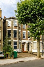 Large double studio on the 1st floor & to the front of the building in West Hampstead/Kilburn £190pw