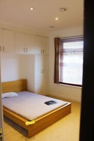 Luxury FEMALE PROFESSIONAL City Centre Rooms to rent until June 2018- FROM ONLY £80PW!!