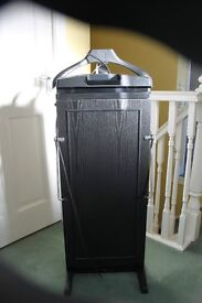 7700 Corby Trouser Press with tie rack