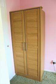 Wardrobe with 2 doors, 1 shelf, 1 hanging rail
