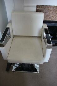 Hairdressing chair/white