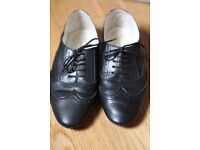 French sole brogues womens