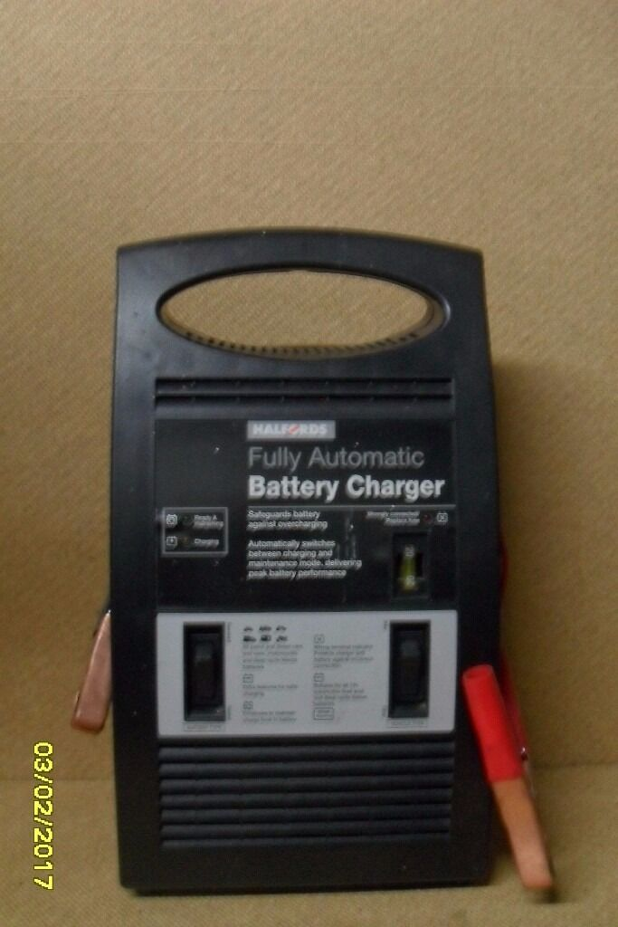 Halfords Battery Charger In Northolt London Gumtree