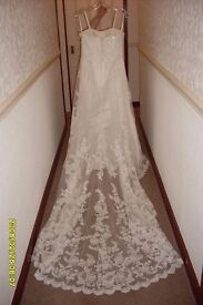 Ivory Wedding Dress REDUCED Embroided, Beaded and Sequined. Excellent condition. Size 10