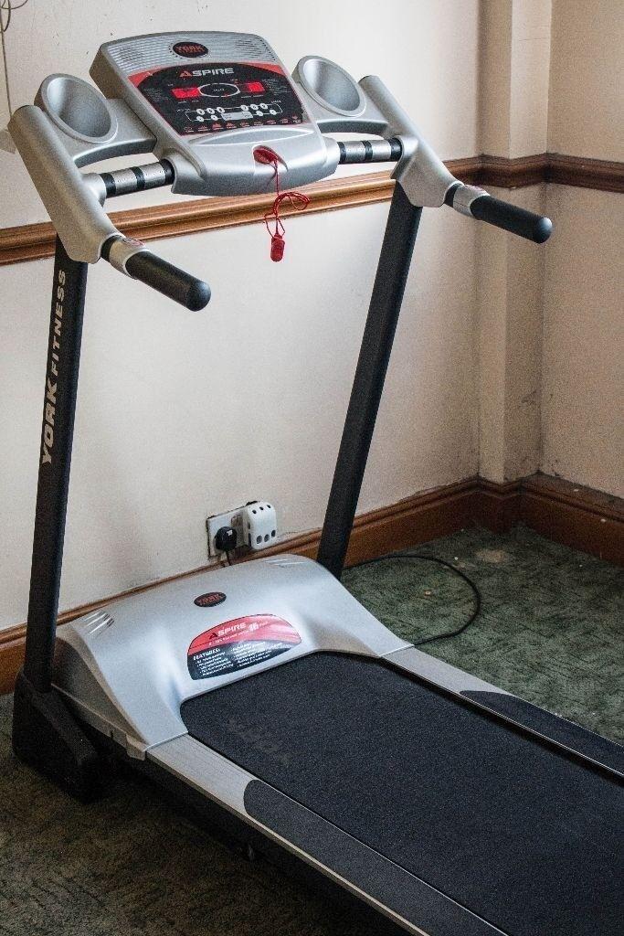 York Aspire Treadmill Fold Up Motorised Auto Incline
