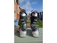 Atomic Waymaker Flex 90 men's ski boots