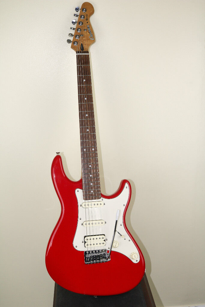 Cruiser by Crafter, Stratocaster style full size 22 fret electric guitar.