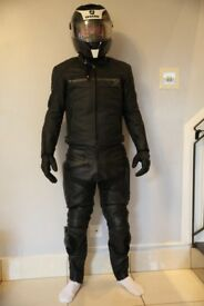 Motorbike gear A++++ worth over £600