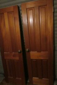 2 solid pine interior doors with handles