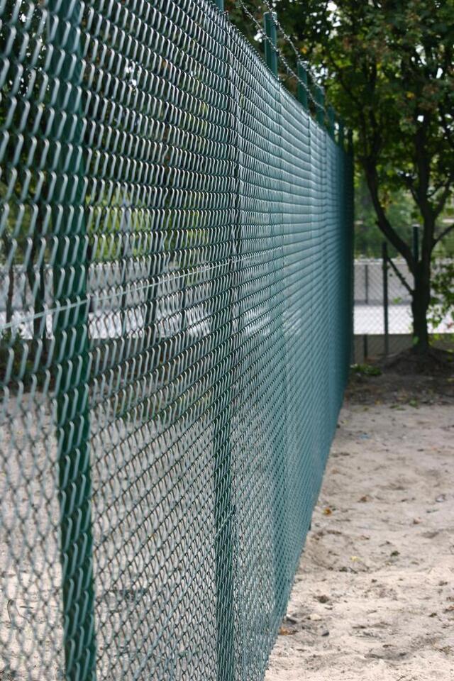 Maschendraht-Zaun für Haus, Garten und Gewerbe! in Berlin