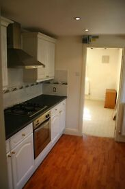 WARM, CLEAN AND NEWLY FURNISHED ONE BEDROOM APARTMENT LOW BILLS SAFE AND FREINDLY. -PRIVATE LET