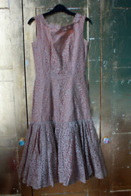 Beautiful Nude / Beige Lace Vintage Dress with Jacket Size 8-10