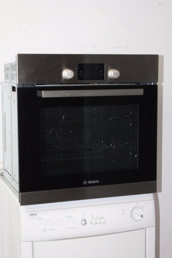 Bosch Built-In Single Oven Digital Display Model No.HBA13B150B Excellent Condition 12 Month Warranty