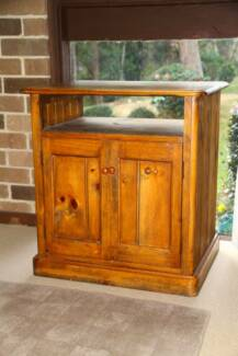 Small Wooden TV cabinet Chatswood West Willoughby Area Preview