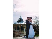 Female Wedding Photographer :)
