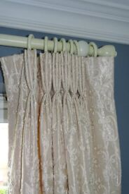 MISCELLANEOUS HIGH QUALITY SOFT FURNISHNGS AND OTHER HOUSEHOLD ITEMS