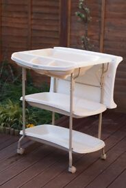 Millie and Boris - Mobile baby bath and changing table