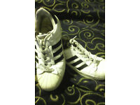Adidas superstar trainers size 7.5