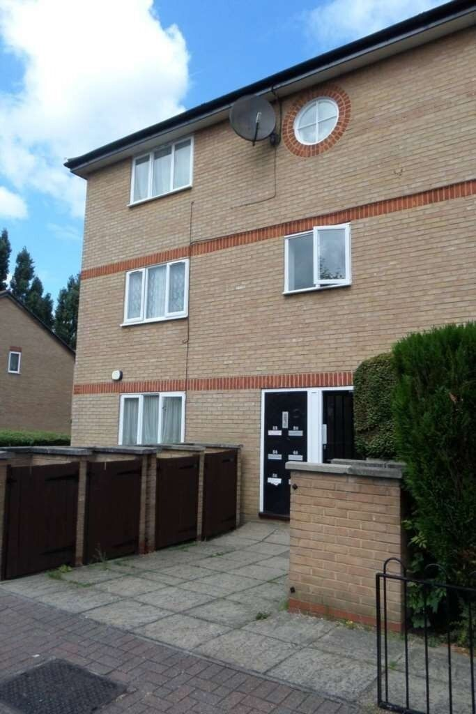 Spacious and Bright One Bedroom Flat in Beckton E6