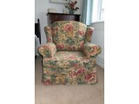 FREE TO COLLECTOR - COMFORTABLE ARMCHAIR WITH LOOSE COVER VERY GOOD CONDITION
