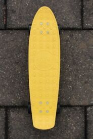 "Banana Board Gold Cup Vinyl Plastic Cruiser Skateboard Complete Penny Size 23"" Yellow/Black"