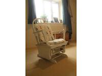 Nursing chair/Rocking chair