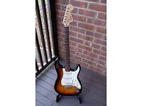 Squier Affinity Stratocaster + gig bag