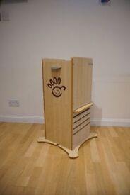 Little Helper Funpod kitchen safety stand (Maple)