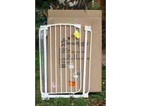 1 New Dreambaby top quality pressure mount safety gate, 1m. tall
